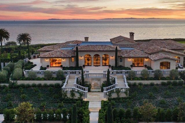 Bên trong dinh thự chỉ thua nhà của tỷ phú Jeff Bezos ở bang có giá đất cao nhất nước Mỹ - Ảnh 1.