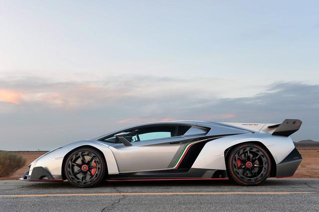 BST xe của những tỷ phú keo kiệt nhất thế giới: Nhiều hàng khủng, hàng hiếm, tổng trị giá hàng triệu đô - Ảnh 7.
