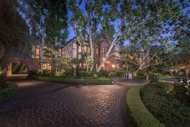 Bên trong dinh thự chỉ thua nhà của tỷ phú Jeff Bezos ở bang có giá đất cao nhất nước Mỹ - Ảnh 9.