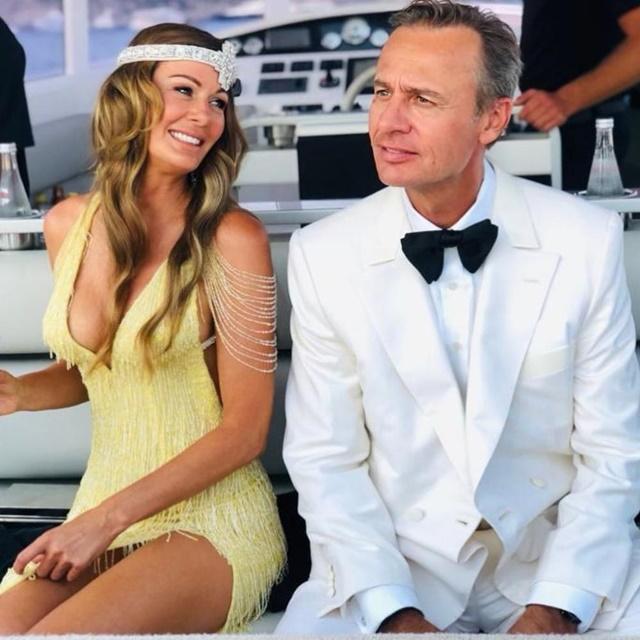 Lối sống tiệc tùng xa hoa của Hoa hậu giàu nhất nước Anh nhờ ly hôn chồng tỷ phú - Ảnh 2.