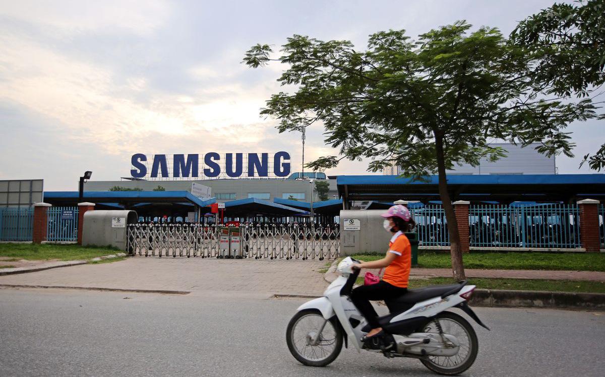 Bloomberg: Các 'ông lớn' Samsung, Intel dự kiến khôi phục sản xuất hoàn toàn vào tháng tới?
