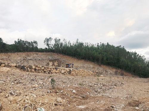 Nha Trang tái diễn nạn khoét núi, phân lô - Ảnh 1.