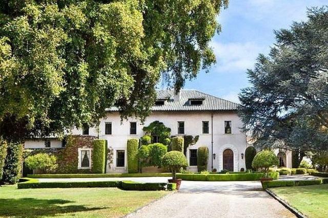 Tỷ phú giàu nhất thế giới Elon Musk hạ giá bán dinh thự cuối cùng của mình - Ảnh 1.