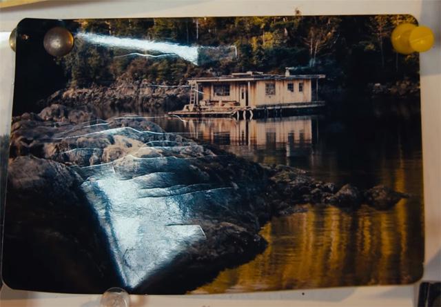 Ông lão mua một căn nhà rộng 70m2 trên mặt nước, sống nhàn nhã một mình hơn 30 năm: Không bị vật chất bó buộc , thế giới tinh thần trở nên phong phú hơn! - Ảnh 3.
