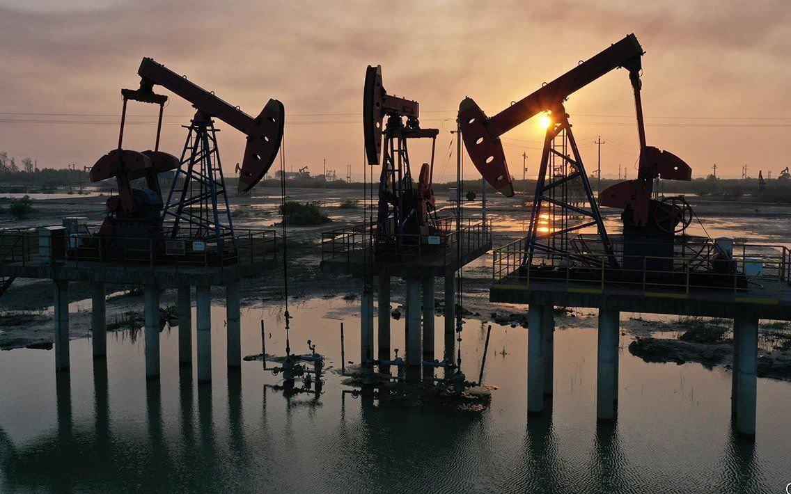 Economist: Giữa khủng hoảng năng lượng, một loại nhiên liệu quan trọng sẽ đi vào 'cõi chết', dầu sẽ sớm hết thời