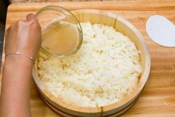 Thứ nước giúp hạ đường huyết, tránh béo phì mà người Nhật thường dùng để nấu cơm, ở Việt Nam bán rất rẻ mà không biết - Ảnh 2.