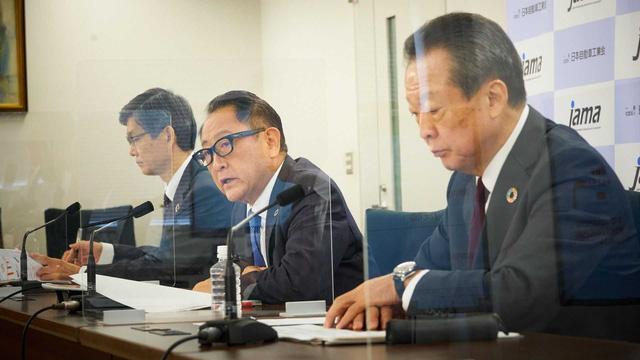 CEO Toyota đưa ra con số sốc về thảm hoạ khi toàn thị trường đổi sang xe điện - Ảnh 1.