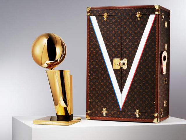 Louis Vuitton: Thương hiệu thời trang đại thụ 166 tuổi làm gì để giữ được sức hút của mình đối với giới trẻ - Ảnh 1.