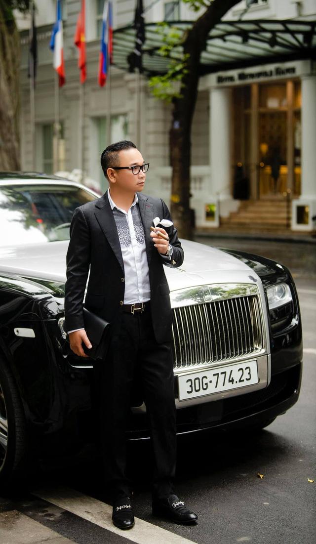 Đại gia veston tuyển tài xế Rolls-Royce lương 14 triệu, hộ khẩu Hà Nội, làm 10 tiếng/ngày, CĐM thốt lên: 'Quá áp lực, có sao bán nhà không đền nổi'  - Ảnh 4.