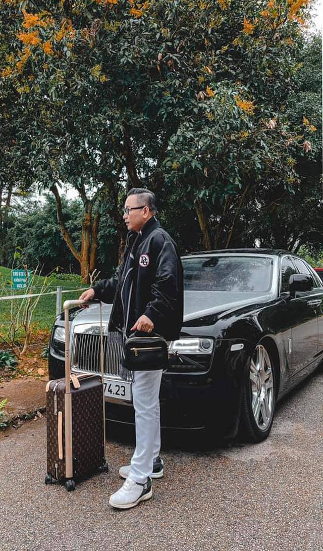 Đại gia veston tuyển tài xế Rolls-Royce lương 14 triệu, hộ khẩu Hà Nội, làm 10 tiếng/ngày, CĐM thốt lên: 'Quá áp lực, có sao bán nhà không đền nổi'  - Ảnh 5.