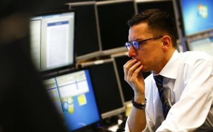 Phiên 21/10: Khối ngoại tiếp tục bán ròng 816 tỷ đồng trên cả 3 sàn, tâm điểm bán ròng hàng trăm tỷ đồng cổ phiếu HPG