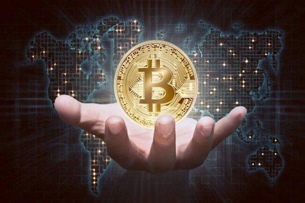 Coinbase bị hack 6.000 tài khoản, Bitcoin vẫn phi mã - Ảnh 1.