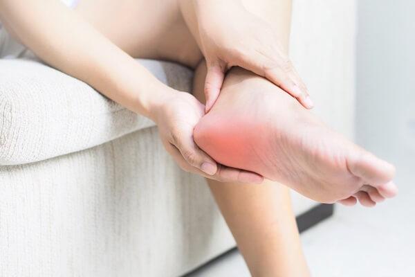 Nam giới có thận khỏe thường có 3 biểu hiện đặc trưng ở bàn chân, mong rằng bạn hội tụ tất cả - Ảnh 3.