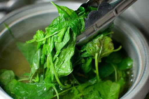 6 loại thực phẩm đang làm mất dần canxi trong cơ thể, tiêu thụ càng nhiều thì xương càng mềm như xốp - Ảnh 4.