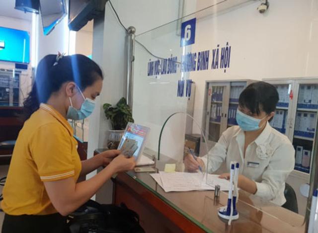 Gần 3.600 lao động được nhận hỗ trợ từ Quỹ Bảo hiểm thất nghiệp trong một ngày - Ảnh 1.