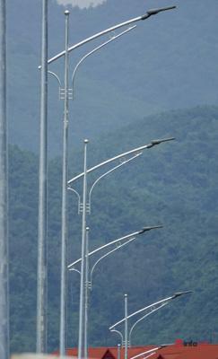 Toàn cảnh cây cầu gần 600 tỷ nối 2 bờ sông Đà vừa thông xe - Ảnh 8.