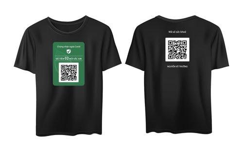 Bùng nổ dịch vụ in ấn mã QR tiêm chủng lên áo, thẻ đeo, ốp điện thoại, giá rẻ bất ngờ - Ảnh 1.