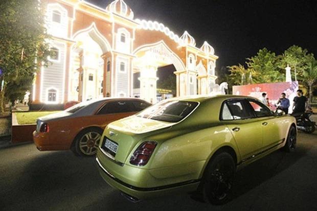 Choáng ngợp vì thú chơi siêu xe của giới siêu giàu: Ngày cầm lái chục tỷ ra đường, đêm về ngắm trăm tỷ trong gara, xanh đỏ tím vàng đủ loại - Ảnh 5.