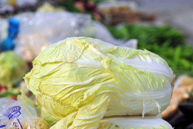 Đi mua rau cải tốt nhất đừng chọn 4 loại bất thường này vì có thể chứa formaldehyde, người trồng rau còn sợ không dám ăn - Ảnh 2.