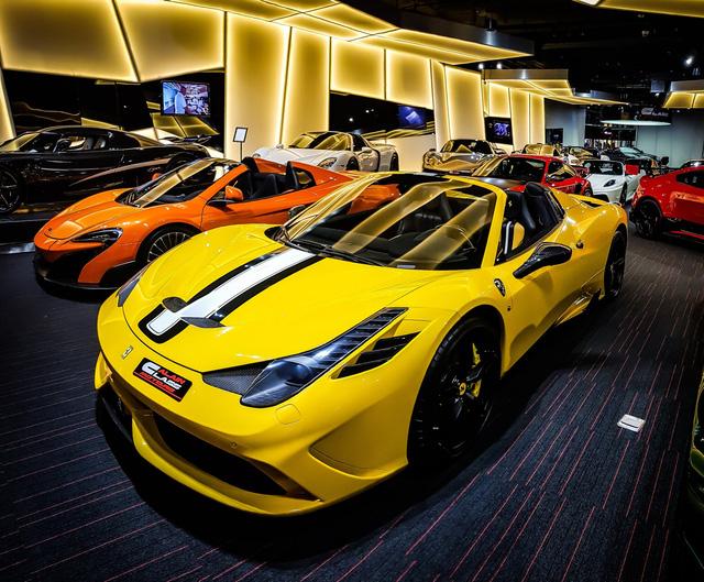 Bên trong showroom khét tiếng chuyên bán hyper-car cho đại gia Việt: Có phòng 'bạch kim' toàn xe khủng, từng chiếc được lau chùi 2-3 lần mỗi ngày, khách hàng siêu VIP được dâng xe đến tận nhà  - Ảnh 13.
