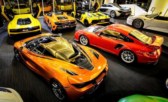 Bên trong showroom khét tiếng chuyên bán hyper-car cho đại gia Việt: Có phòng 'bạch kim' toàn xe khủng, từng chiếc được lau chùi 2-3 lần mỗi ngày, khách hàng siêu VIP được dâng xe đến tận nhà  - Ảnh 16.