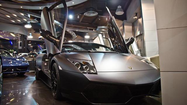 Bên trong showroom khét tiếng chuyên bán hyper-car cho đại gia Việt: Có phòng 'bạch kim' toàn xe khủng, từng chiếc được lau chùi 2-3 lần mỗi ngày, khách hàng siêu VIP được dâng xe đến tận nhà  - Ảnh 17.