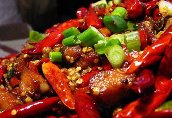 Ăn món gỏi, tái đã miệng, nhiều người Việt đang tự phá hủy đại trực tràng  - Ảnh 3.