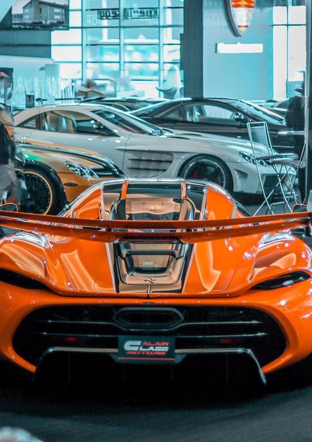 Bên trong showroom khét tiếng chuyên bán hyper-car cho đại gia Việt: Có phòng 'bạch kim' toàn xe khủng, từng chiếc được lau chùi 2-3 lần mỗi ngày, khách hàng siêu VIP được dâng xe đến tận nhà  - Ảnh 9.