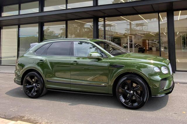 Đồng hồ kim cương trên Bentley Bentayga của đại gia Hà thành có giá gần 3 tỷ đồng, đắt hơn một chiếc Mercedes-Benz GLC 300 - Ảnh 1.