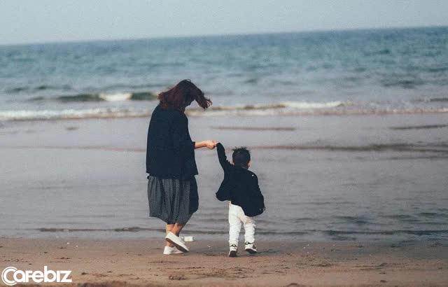 Cuộc đối thoại kinh điển giữa mẹ và con trai: Giá trị giáo dục con cái còn nóng hổi dù đã tới 50 năm - Ảnh 1.