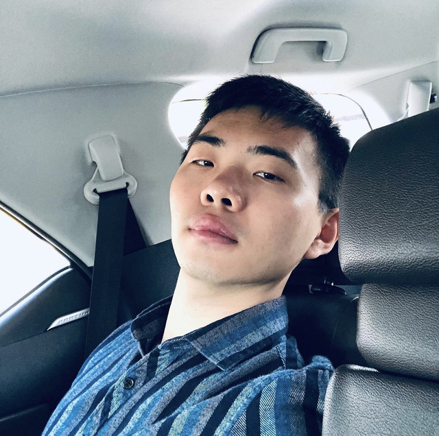 Soi Instagram thiếu gia nhà Biti's: Xe sang cũng có nhưng lại thích check in Toyota Fortuner, 7 năm trước đã trải nghiệm lái may bay - Ảnh 3.
