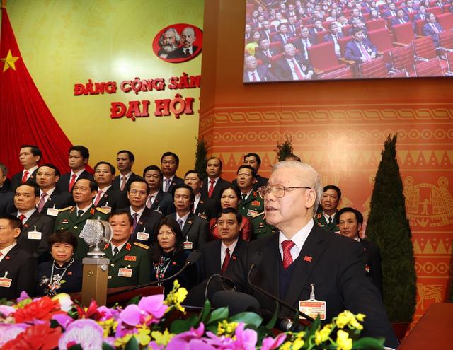 200 Ủy viên Ban Chấp hành Trung ương Đảng khóa XIII ra mắt Đại hội - Ảnh 2.