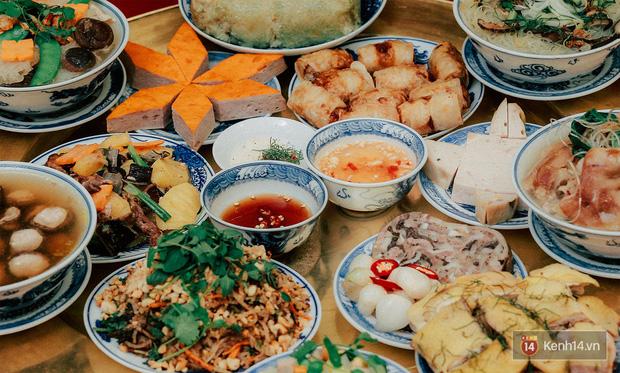 Chuyện ít ai biết về mâm cơm của người Việt: Dù đơn sơ hay cầu kỳ cũng đều là sự hội tụ của tinh hoa văn hoá nghìn năm - Ảnh 1.