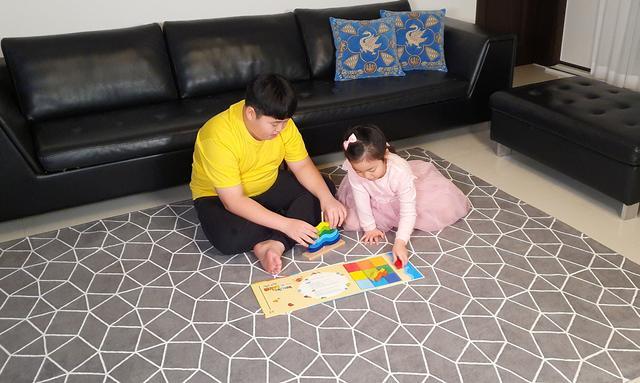 Học sinh 12 tuổi Hàn Quốc lãi 43% sau 1 năm chơi chứng khoán: Bán ô tô đồ chơi lúc 7 tuổi để làm tiền đầu tư, được ví sẽ trở thành Warren Buffet thứ 2 - Ảnh 1.
