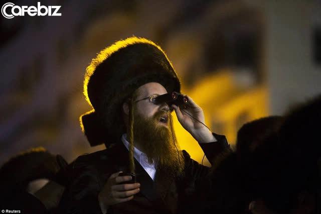 Năm mới, học ngay 10 định luật LÀM GIÀU của người Do Thái: 3.000 năm vẫn còn nguyên giá trị  - Ảnh 3.