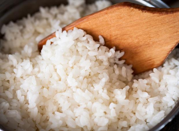 6 món không nên hâm nóng lại nhiều lần trong dịp Tết, cố ăn vào chỉ làm tổn hại nội tạng, sinh chất gây ung thư - Ảnh 1.