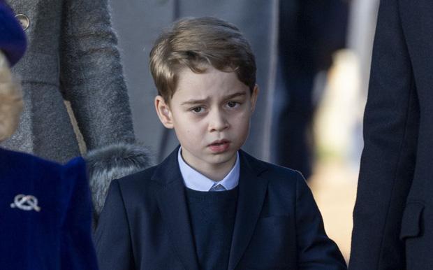 Đức Vua tương lai của Hoàng gia Anh: Những khoảnh khắc thần thái ngất trời của Hoàng tử bé George, mới 7 tuổi nhưng đã ra dáng anh cả - Ảnh 6.
