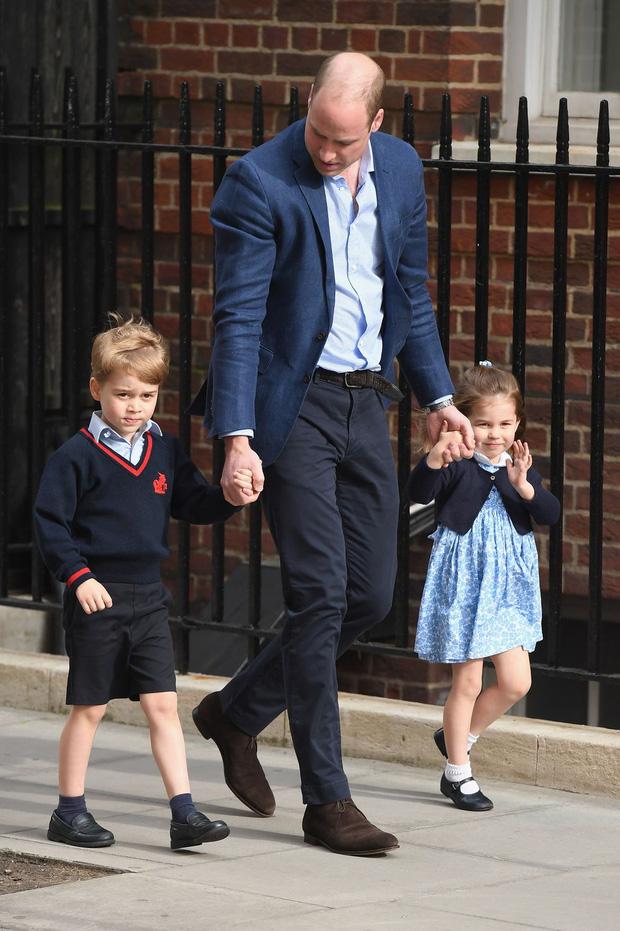 Đức Vua tương lai của Hoàng gia Anh: Những khoảnh khắc thần thái ngất trời của Hoàng tử bé George, mới 7 tuổi nhưng đã ra dáng anh cả - Ảnh 18.