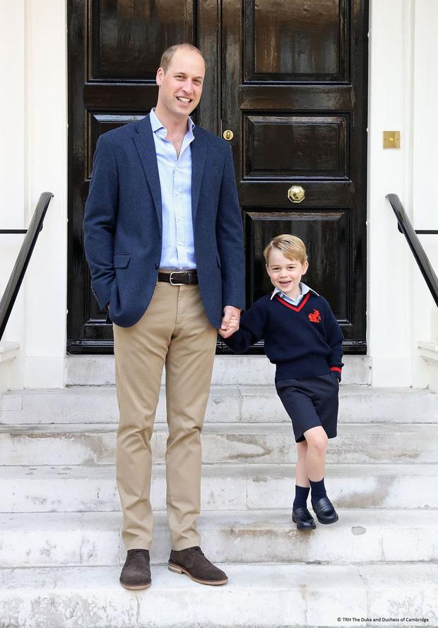 Đức Vua tương lai của Hoàng gia Anh: Những khoảnh khắc thần thái ngất trời của Hoàng tử bé George, mới 7 tuổi nhưng đã ra dáng anh cả - Ảnh 19.