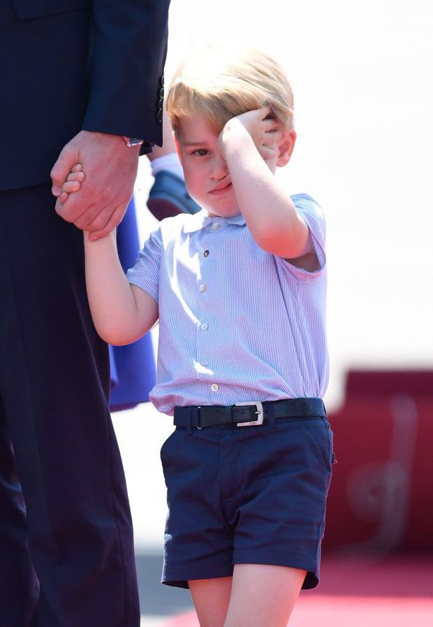 Đức Vua tương lai của Hoàng gia Anh: Những khoảnh khắc thần thái ngất trời của Hoàng tử bé George, mới 7 tuổi nhưng đã ra dáng anh cả - Ảnh 20.
