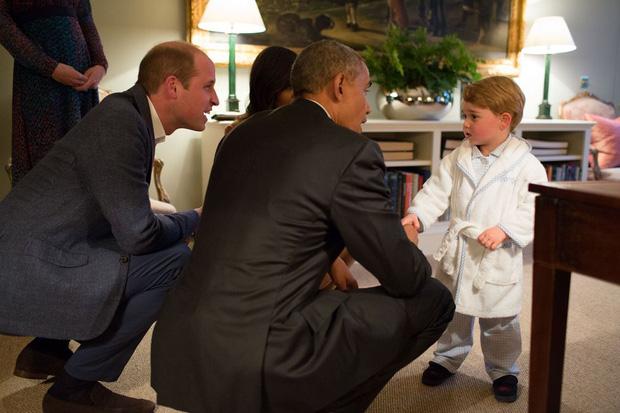 Đức Vua tương lai của Hoàng gia Anh: Những khoảnh khắc thần thái ngất trời của Hoàng tử bé George, mới 7 tuổi nhưng đã ra dáng anh cả - Ảnh 25.