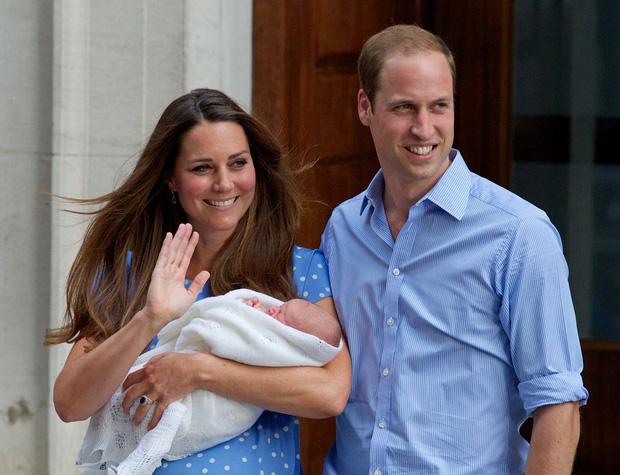 Đức Vua tương lai của Hoàng gia Anh: Những khoảnh khắc thần thái ngất trời của Hoàng tử bé George, mới 7 tuổi nhưng đã ra dáng anh cả - Ảnh 32.