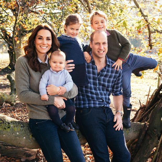 Đức Vua tương lai của Hoàng gia Anh: Những khoảnh khắc thần thái ngất trời của Hoàng tử bé George, mới 7 tuổi nhưng đã ra dáng anh cả - Ảnh 13.