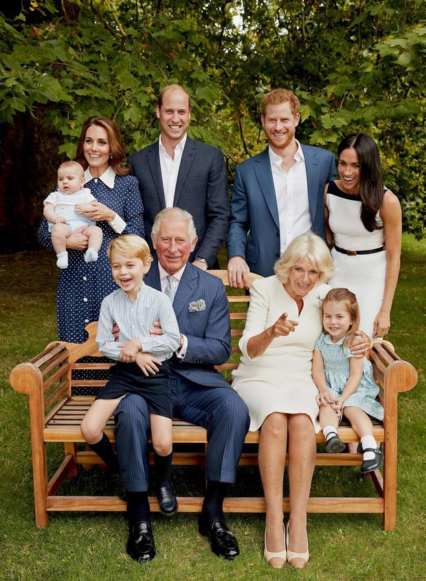 Đức Vua tương lai của Hoàng gia Anh: Những khoảnh khắc thần thái ngất trời của Hoàng tử bé George, mới 7 tuổi nhưng đã ra dáng anh cả - Ảnh 14.