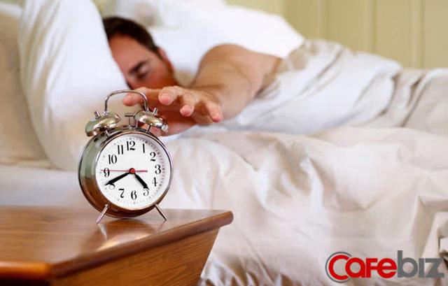 Lý do các tỷ phú yêu thích thức dậy lúc 4h sáng: Não thành miếng bọt biển, giúp họ có lợi thế hơn hẳn người thường - Ảnh 2.