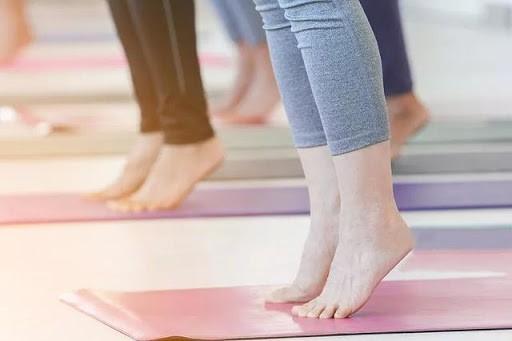 Động tác kiễng chân rất đơn giản, chỉ cần trì kiễng chân 3 phút mỗi ngày, cơ thể nhận 4 lợi ích này - Ảnh 3.