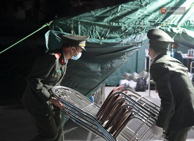Hải Dương trước giờ giãn cách xã hội toàn tỉnh: Lực lượng xuyên đêm lập thêm 17 chốt kiểm dịch dọc Quốc lộ 5 - Ảnh 5.
