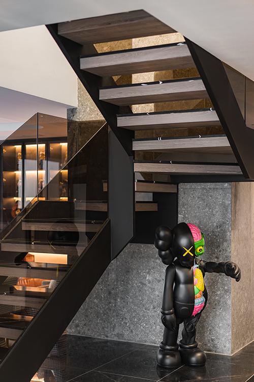 Ấn tượng với không gian của căn Duplex 200 m2 lấp đầy đồ chơi tiền tỷ ở Hà Nội - Ảnh 5.