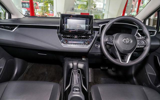 Liên tục lộ bộ phận mới, Toyota Corolla Altis 2021 rục rịch về Việt Nam đối đầu Mazda3 - Ảnh 6.