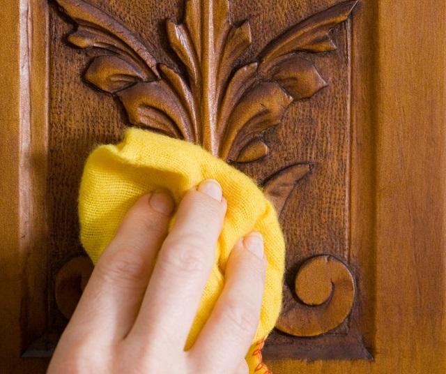 Tất tần tật những cách vệ sinh đồ gỗ chạm trổ phức tạp chuẩn bị đón Tết - Ảnh 3.